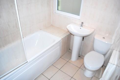 30_norman_bathroom-up_b.jpg